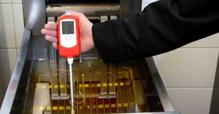 Hoe meet ik de kwaliteit van frituurolie?